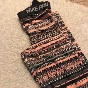 Nike Pro | pink+grey digital camo printed leggings